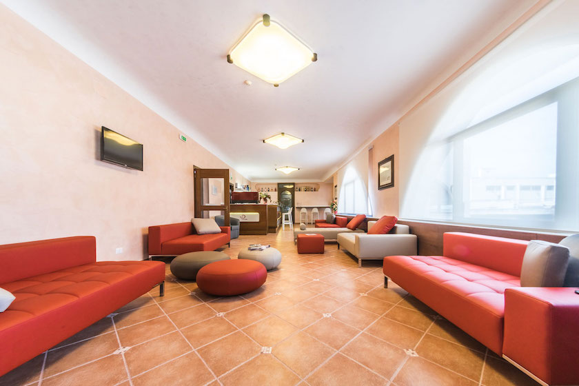 sala_attesa_villa_donna_lisa_wine_hotel